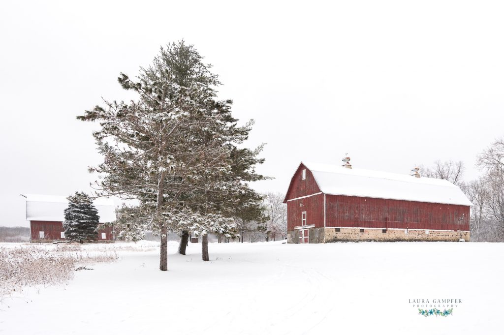 red barns in snow Illinois